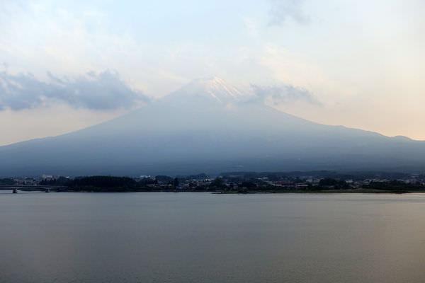 開窗見富士山–河口湖 秀峰閣湖月 設施房間篇